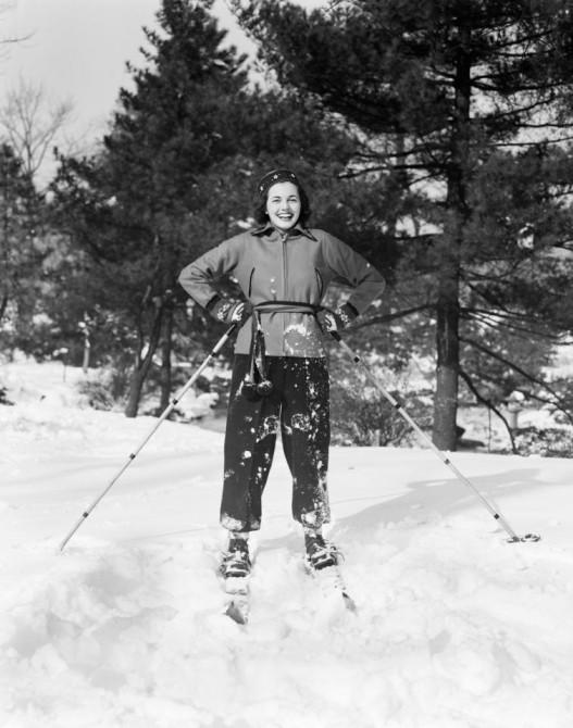 Молодая женщина на склоне.1930-е годы