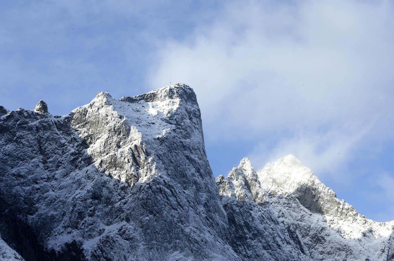 Килиан Хорнет спустился на лыжах по Стене Троллей