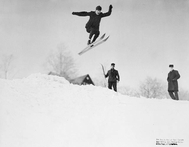 Лыжный фристайл история развития и дисциплины Прыжки на лыжах в 1905 году Фотография notman son library and archives