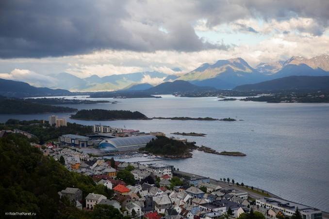 Норвегия. Город Олесунн. Фото - Константин Галат