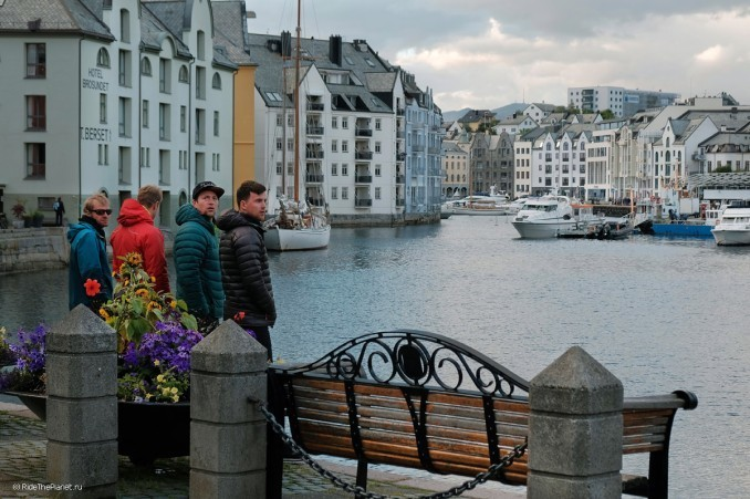 Норвегия. Команда RTP в городе Олесунн. Фото - Олег Колмовский