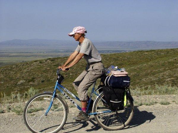 На одноразовом велосипеде по горам Восточного Казахстана