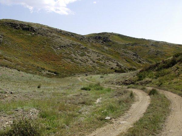 Начало спуска с плато.
