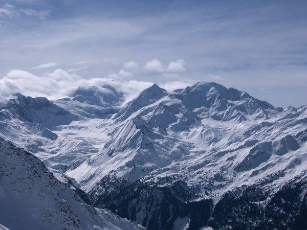 Вид из сектора Вербье на противоположный борт долины Роны