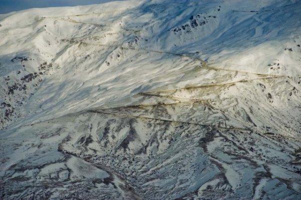 Типичная дорога на типичный новозеландский горнолыжный курорт. Кардрона